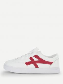 Skate Shoes Round Toe Red Lace Up Low Top Sneakers