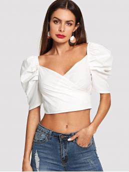 Glamorous Plain Top Regular Fit Sweetheart Half Sleeve Pullovers White Crop Length Knot Back Puff Sleeve Crop Top
