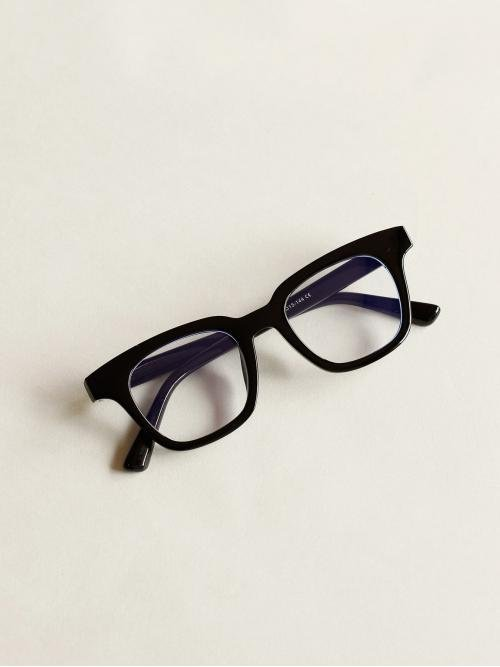 Casual Acrylic Frame Other Shape Black Plain Frame Glasses With Case