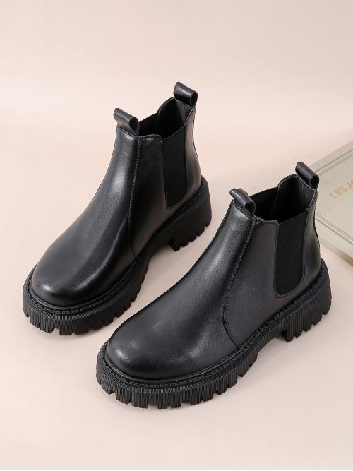 Pretty Black Chelsea Boots Low Heel Chunky Minimalist Wide Fit Chelsea Boots