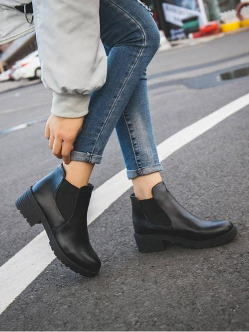 Black Chelsea Boots Low Heel Chunky Faux Leather Pretty