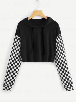 Sporty Plaid Regular Fit Hooded Long Sleeve Pullovers Black and White Crop Length Checkered Sleeve Raw Hem Hooded Tee