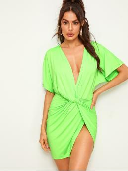Sexy Plain Wrap Regular Fit Deep V Neck Short Sleeve Batwing Sleeve Natural Green and Bright Short Length Neon Green Twist Front Plunge Neck Dress
