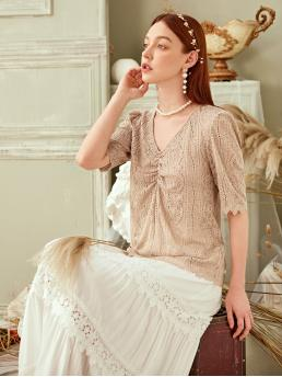 Elegant Plain Top Regular Fit V neck Short Sleeve Regular Sleeve Pullovers Khaki Regular Length Ruched Front Solid Lace Top