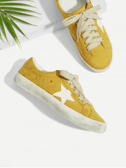Canvas Round Toe Geometric Lace Up Yellow Star Patch Lace Up Splice Sneakers