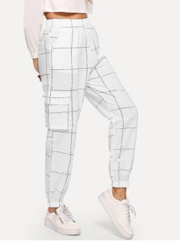 Sporty Plaid and Letter Tapered/Carrot Regular Elastic Waist Mid Waist White Cropped Length Pocket Decoration Letter Print Pants