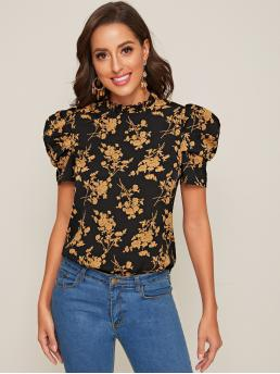 Elegant Floral and All Over Print Top Regular Fit Stand Collar Short Sleeve Pullovers Multicolor Regular Length Keyhole Back Puff Sleeve Floral Print Top