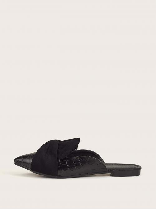 Beautiful Black Mules Twist Point Toe Design