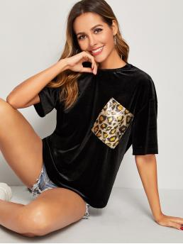 Glamorous Leopard Regular Fit Round Neck Half Sleeve Pullovers Black Regular Length Leopard Pocket Patched Velvet Top