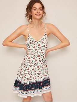 Boho Cami Colorblock and Ditsy Floral Straight Loose V neck and Spaghetti Strap Sleeveless Natural White Short Length V-neck Colorblock Floral Print Slip Dress