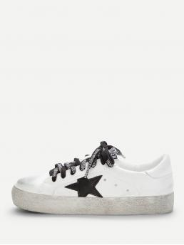 Skate Shoes Round Toe Lace Up White Lace Up Low Top Sneakers