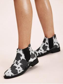 Comfort Chelsea Boots Almond Toe No zipper Black and White Low Heel Chunky Graphic Chelsea Boots