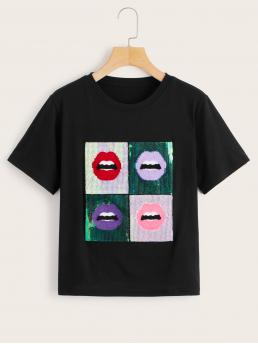 Casual Figure and Colorblock Regular Fit Round Neck Short Sleeve Pullovers Black Regular Length Lip Sequin Panel Tee