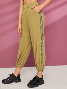 Casual Letter and Leopard Cargo Pants Regular Zipper Fly High Waist Khaki Cropped Length Leopard Print Taped Pocket Carrot Pants