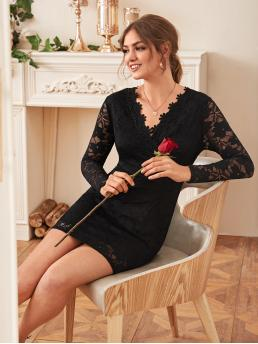 Elegant Fitted Plain Straight Regular Fit V neck Long Sleeve Regular Sleeve High Waist Black Short Length Surplice Front Zip Back Lace Fitted Dress with Lining