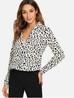 Casual Leopard Shirt Regular Fit Notched Long Sleeve Placket Black and White Leopard Print Single Breasted Blouse