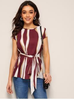Casual Top Regular Fit Round Neck Cap Sleeve Regular Sleeve Pullovers Burgundy Regular Length Keyhole Back Tie Front Wave Striped Top with Belt