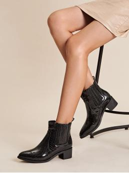 Business Casual Chelsea Boots Point Toe Crocodile No zipper Black Mid Heel Chunky Snakeskin Embossed Chelsea Boots