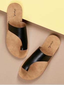 Casual Toe Post Black Asymmetric Band Toe Ring Slide On Footbed Sandals
