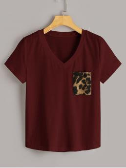Casual Leopard Regular Fit V neck Short Sleeve Regular Sleeve Pullovers Burgundy Regular Length V-neck Contrast Leopard Print Tee