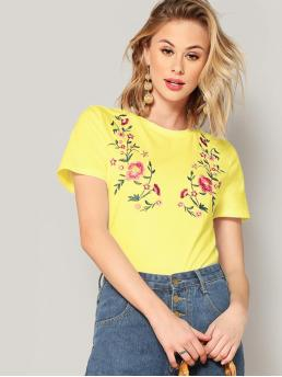Casual Regular Fit Round Neck Short Sleeve Pullovers Yellow and Bright Regular Length Neon Yellow Botanical Embroidered Tee