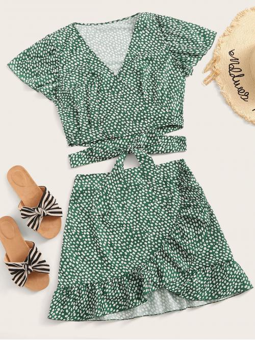 Boho Ditsy Floral Regular Fit V neck Short Sleeve Green Daisy Floral Lace Up Surplice Top With Ruffle Hem Skirt