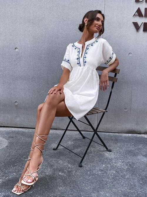 Ladies White Polka Dot Embroidery Notched Neck Dress