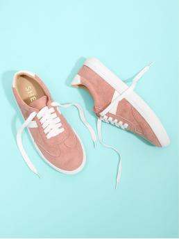 Skate Shoes Round Toe Lace Up Pink Lace Up Low Top Sneakers