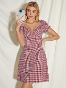 Beautiful White Gingham Ruched Bust Sweetheart Neckline Dress