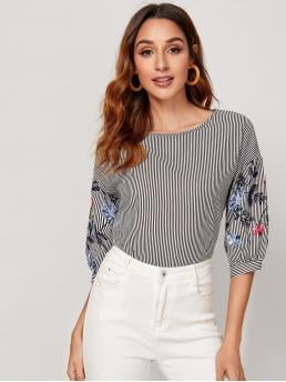Casual Top Striped Regular Fit Round Neck Half Sleeve Puff Sleeve Pullovers Black and White Regular Length Floral Embroidered Sleeve Striped Top