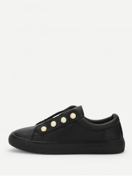 Sporty Round Toe Black Star And Faux Pearl Detail Sneakers