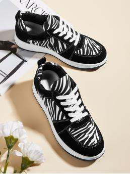 Black and White Running Shoes Low-top Canvas Zebra Striped Sneakers Pretty