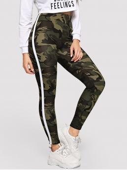 Sporty Regular Camo Army Green Cropped Length Striped Tape Side Camo Leggings