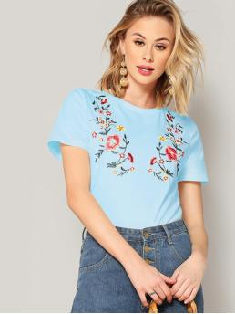 Casual Regular Fit Round Neck Short Sleeve Pullovers Blue and Pastel Regular Length Flower Embroidered Tee