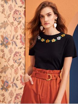 Casual Floral Regular Fit Round Neck Short Sleeve Pullovers Black Regular Length Embroidery Floral Detail Short Sleeve Top