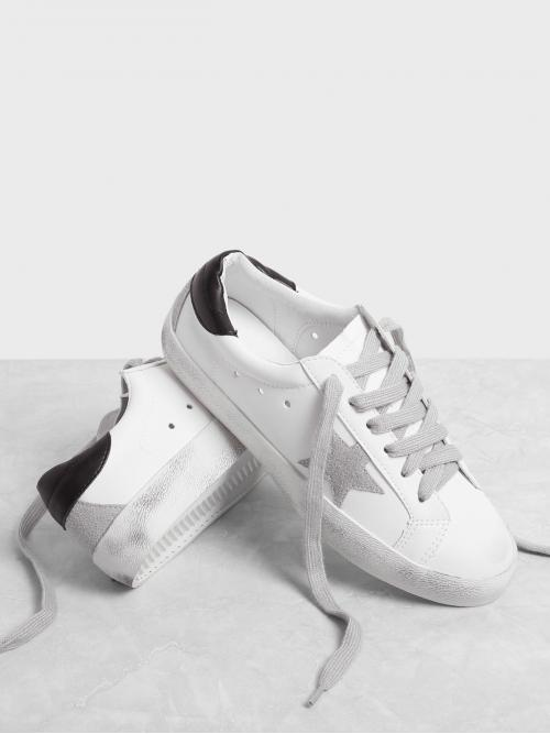 White Skate Shoes Round Toe Low-top Star Patch Splice Sneakers Trending now