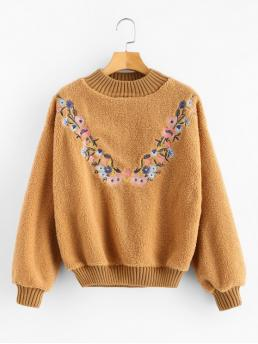 Autumn and Winter Embroidery Floral Full Regular Sweatshirt Floral Embroidered Fluffy Teddy Sweatshirt
