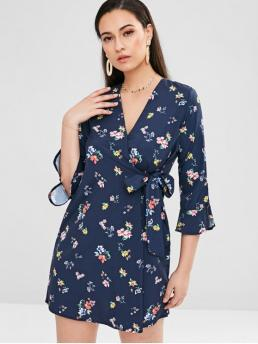 No Fall and Spring and Summer Floral 3/4 V-Collar Mini A-Line Day Brief Floral Tie Side Mini Tea Dress