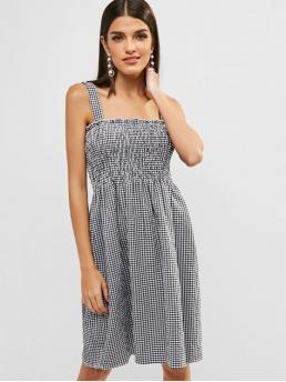 No Summer Nonelastic Gingham Sleeveless Straps Knee-Length A-Line Day Fashion Smocked Gingham A Line Dress
