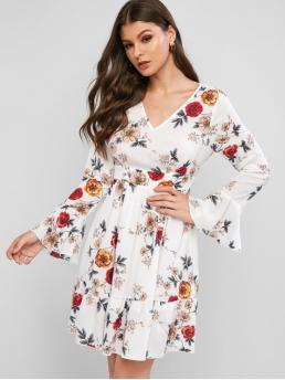 No Fall and Spring Floral Flounce Long Flare V-Collar Knee-Length A-Line Day and Vacation Casual Floral V Neck Flare Sleeve Flippy Hem Dress