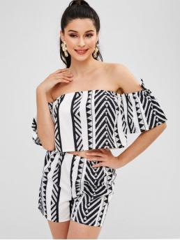 No Summer Geometric Flat Elastic High Short Off Regular Fashion Daily and Going Geometric Off Shoulder Top And Shorts Set