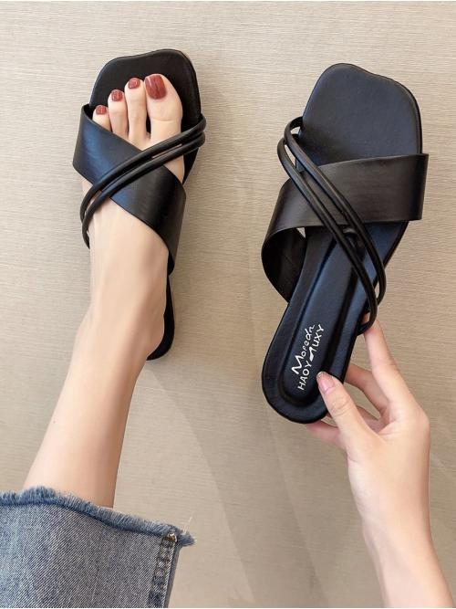 Discount Black Pu Solid Color Rubber Criss Cross Strap Outdoor Flat