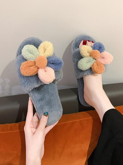 Gray Faux Fur Floral Rubber Flower Decor Furry Indoor Slippers Cheap